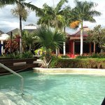 Sheraton Pool - looking back towards lobby