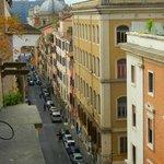 Via dei serpenti avec au fond le Colysée (en rénovation)