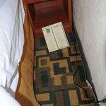 moquette sporca vicino letto