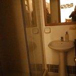 Banheiro do Quarto Astromélia