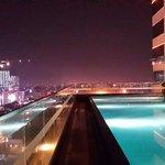 Pemandangan kota medan di malam hari dari kolam renang hotel JW Marriot Medan