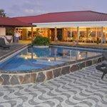 Bar/Dinning & Pool areas