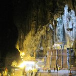 バツゥー洞窟
