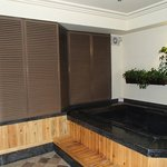 Hot tub/jacuzzi