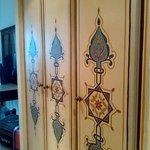 armario em`potrado pintado a mano