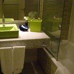 очень приятные цвета ванной