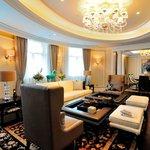 Hotel Room (98367801)