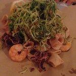 Il frittino di calamari e gamberi con julienne di zucchine
