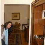 Una amplia habitación
