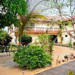 Mariposa courtyard