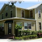 Maison en Ville - Your Inn, in Downtown Mt. Dora!