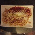 Pasta tomat Salami