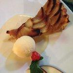 Pie de manzana con helado