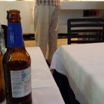 restaurante pegados con la mesa de al lado