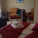 La chambre suite équipé de fauteuil comme matelas
