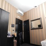 Δωμάτιο 402