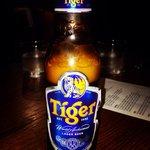 La cerveza Tiger muy buena!