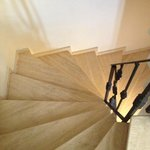 Spiral staircase (no elevator)