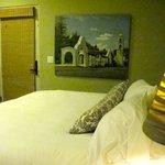 Dove Suite - bedroom