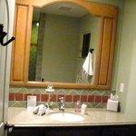 Dove Suite - bathroom