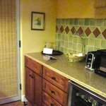 Dove Suite - kitchen