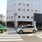 Tully's Coffee and E-Hotel Higashi-shinjuku