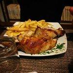 Pollo campese con patatine fritte