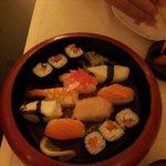 Delizioso sushi misto a €12. :-)