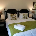 Rooms can be configured to be King bed or two single beds