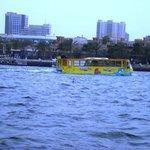 Река и лодка