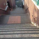 Крутая лестница из Юмбо