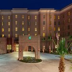 Photo de Embassy Suites by Hilton Savannah