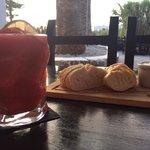 Bread & Alioli and a lovely strawberry Daquiri! ����