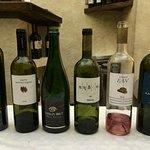 'Resti' della degustazione dei vini di Santorini. Eccellenti!
