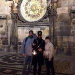 Maicol Andrea Gaia sotto l'orologio astronomico