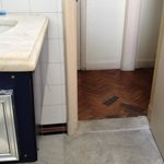 detalhe do banheiro e pisos