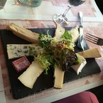 Cheese plate - 4 forks required