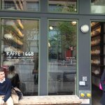 Cool coffee shop in Tribeca