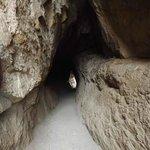 Túnel de passagem da trilha.