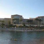 Вид отеля с острова