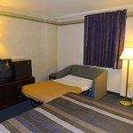 1 Queen Bed w/twin sleeper sofa