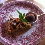 Rhabarberkuchen mit Schokoeis