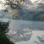 Amanecer sobre el rio Ping