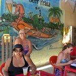 beer Praia,na beira da praia, com pratos c/frutos do mar