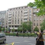 vista da fachada do hotel