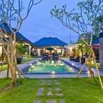 Distinctive Balinese style 2 – 6 bedroom Seminyak villas.