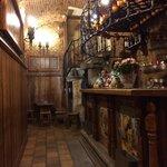 Un Bar interior de la cava