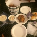 Knotts berry famous and deliciously fried chicken to go in our room. Must try!