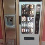 Maquina expendedora y hielo