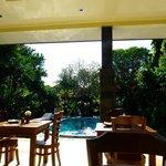 piscine au petit déjeuner